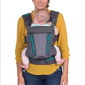 Like new infantino baby carrier